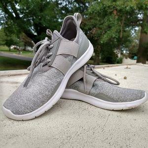 women's Champion sneakers flexfoam size 6